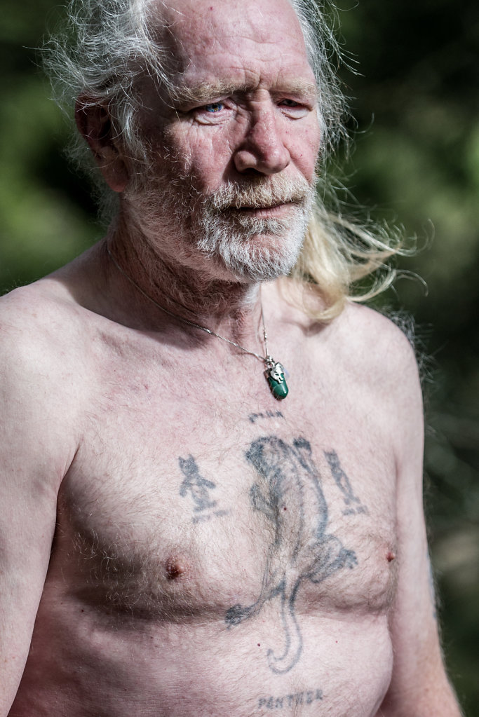 Ian Riach begann 1975 in der Ölindustrie zu arbeiten. 14 Jahre später wurde ihm klar, dass er zwei Möglichkeiten hatte: Weiter auf den Ölplattformern schuften und sich zu Tode trinken, oder sein Leben ändern. Er entschied sich für letzteres.